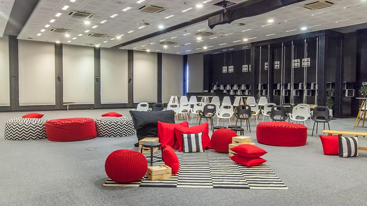 Fun and modern meeting rooms at Yas Marina Circuit
