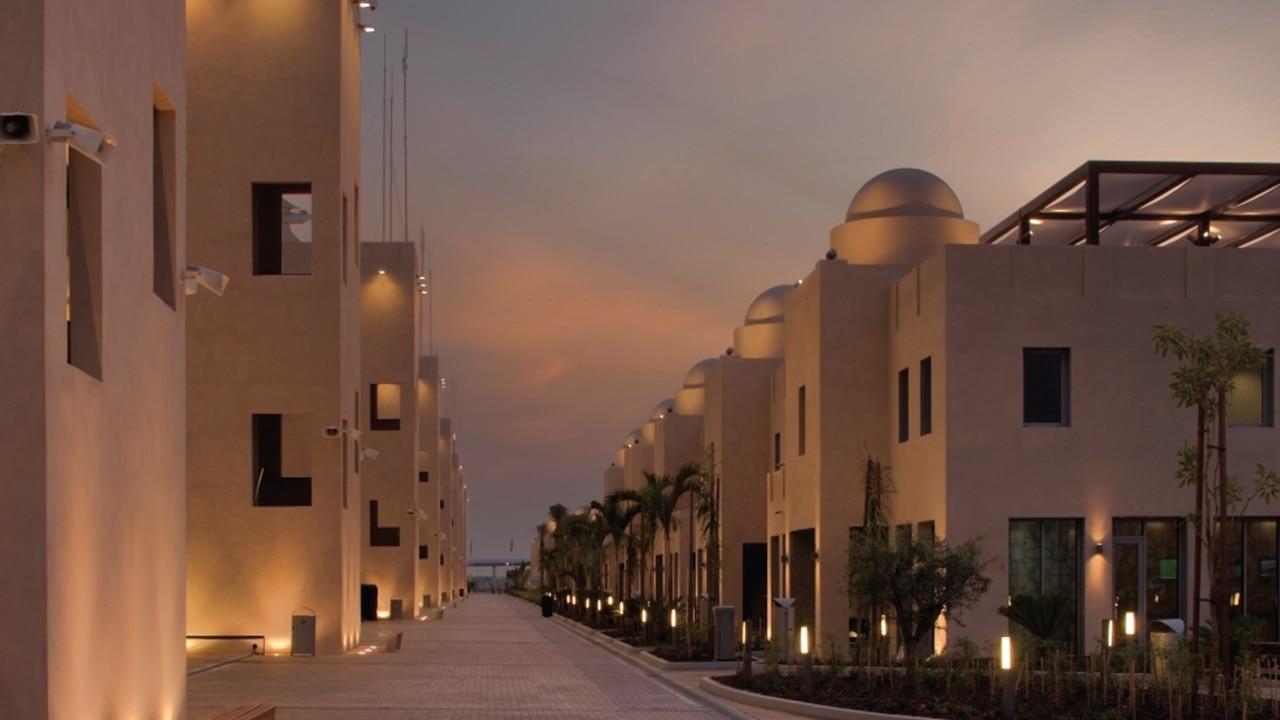 Peaceful and relaxing villas at Yas Marina Circuit