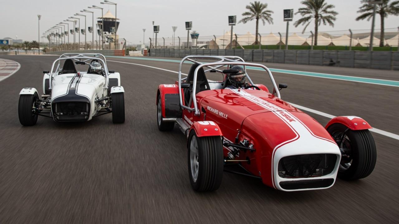 Caterham 7 driving experience at Yas Marina Ci