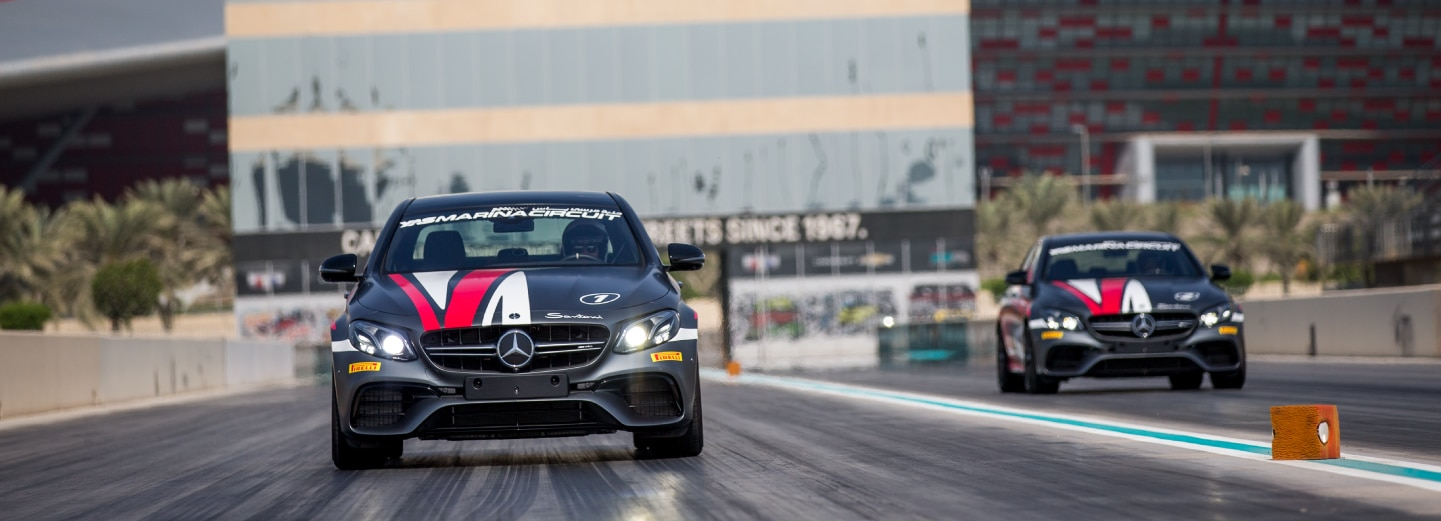 Drag racing Mercedes at Drag Strip i